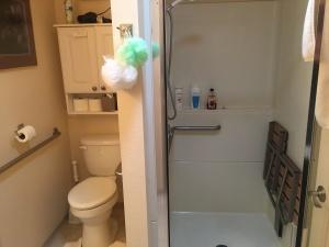 Browne Block bathroom